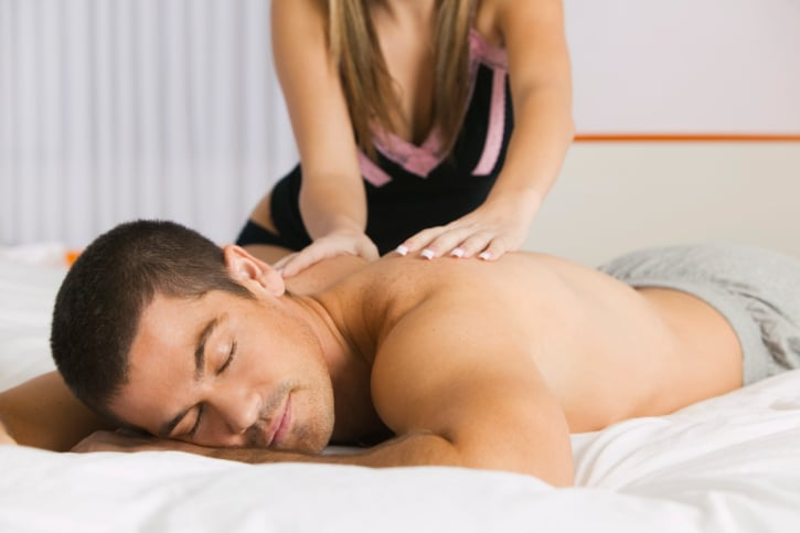 Comment utiliser le massage pour améliorer le sommeil